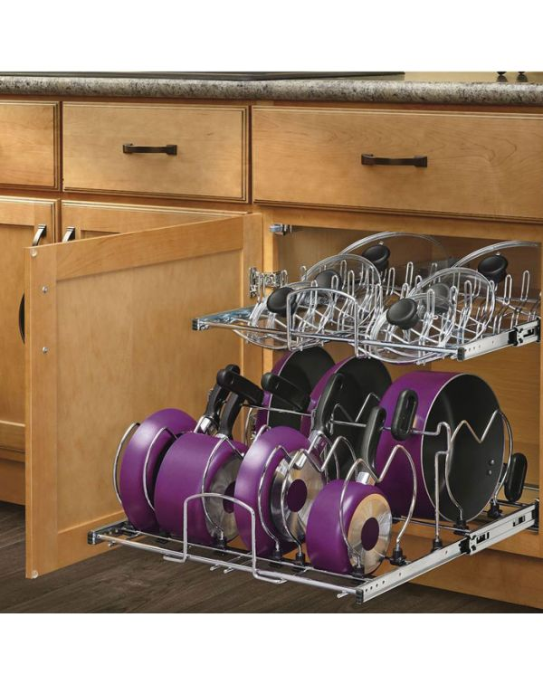 Pull out wire baskets with soft closing concealed runners